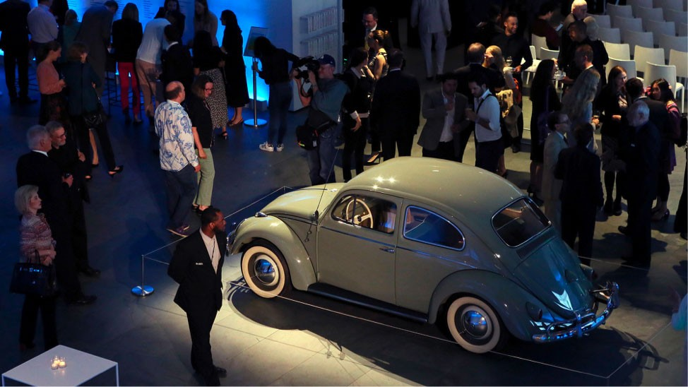 Der Käfer im Museum of Modern Art in New York beim Event Bye Bye Beetle, © Volkswagen AG