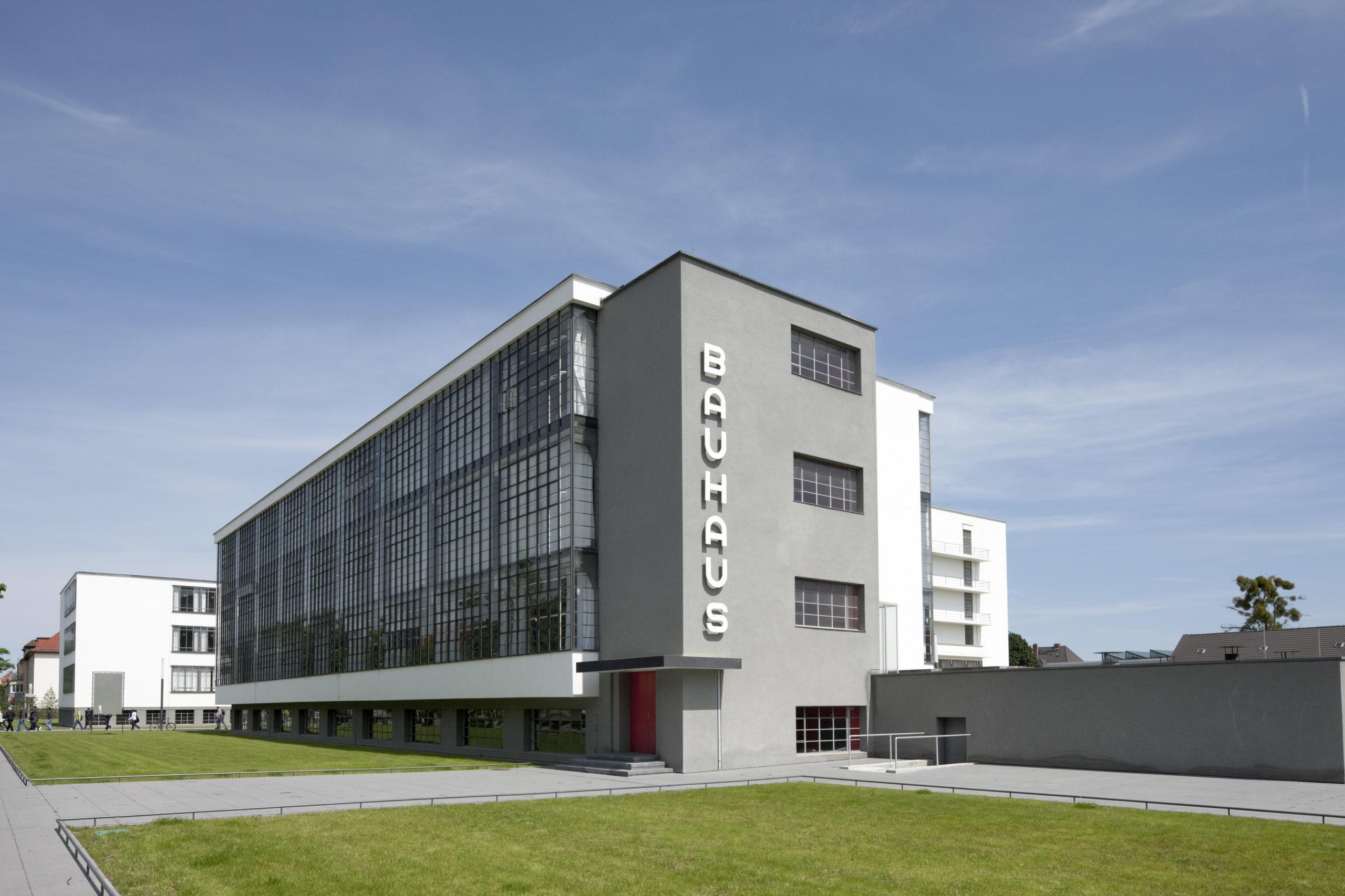 Bauhausgebäude Dessau, Walter Gropius. © Tadashi Okochi, Pen Magazine, 2010, Stiftung Bauhaus Dessau