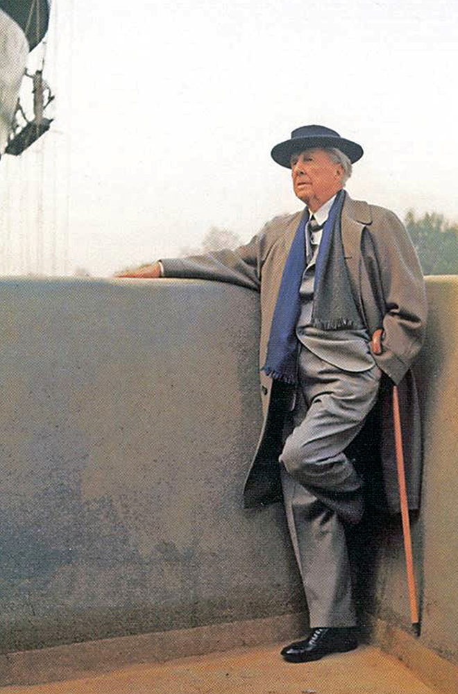 Frank Lloyd Wright auf der Baustelle des Guggenheim-Museums 1959