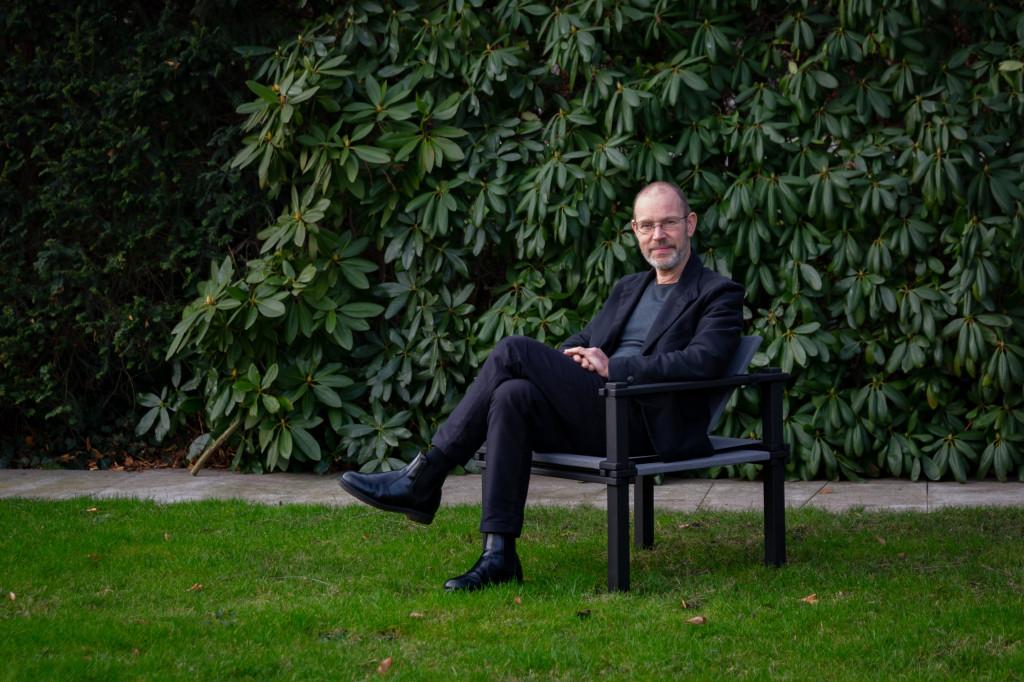 COR CEO Leo Lübke & Farmer Chair