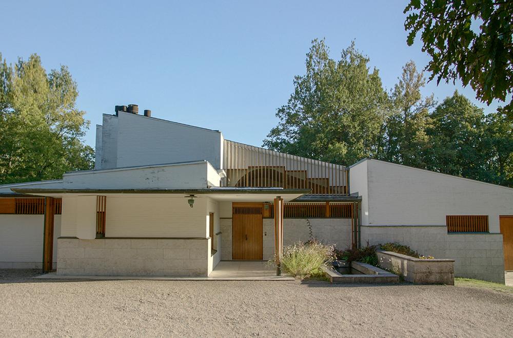 The Maison Louis Carré in Bazoches-sur-Gyonnes