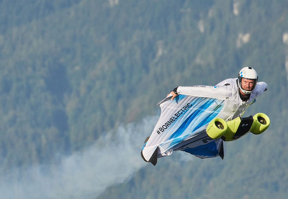 Closeup oBMW Wingsuit