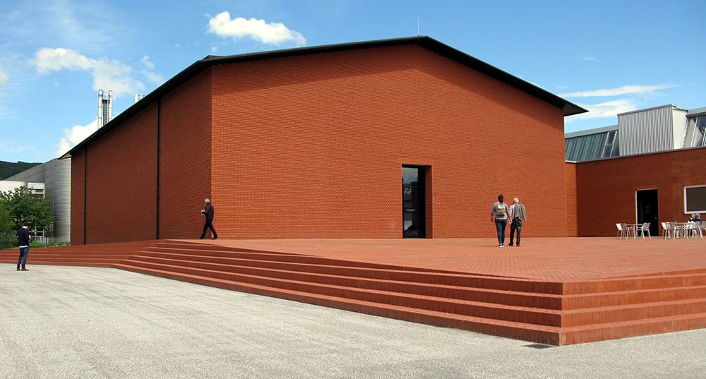 Schaudepot von Herzog & de Meuron auf dem Vitra Campus in Weil am Rhein
