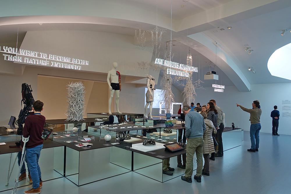 Weil am Rhein Charles-Eames-Straße 2 Vitra Design Museum Ausstellung Hello Robot II