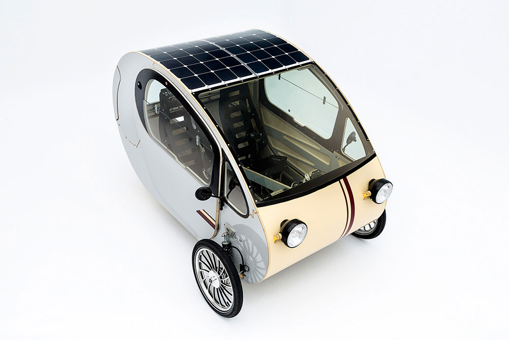 the mö combines solar and muscle power