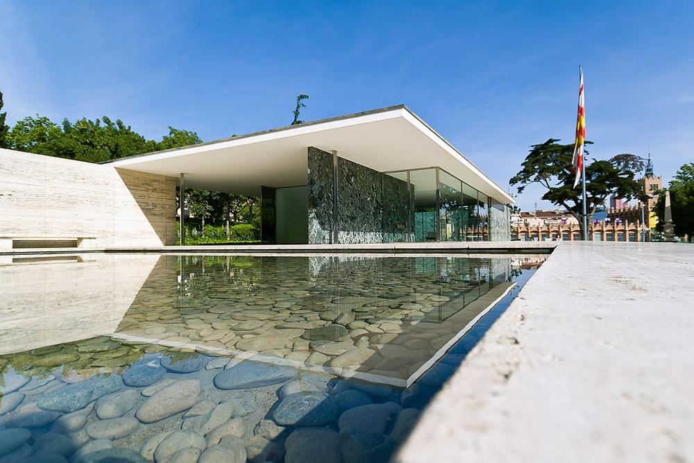 Der Barcelona-Pavillon, erbaut von Ludwig Mies van der Rohe 1929 für die Weltausstellung in Barcelona