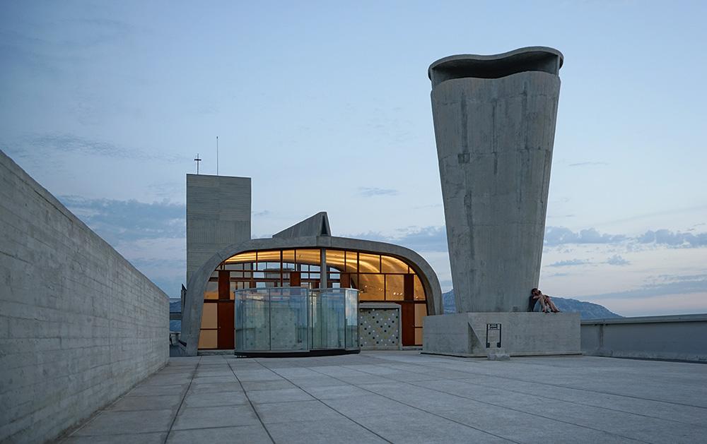 Dach von Le Corbusiers Unité d'Habitation in Marseille.