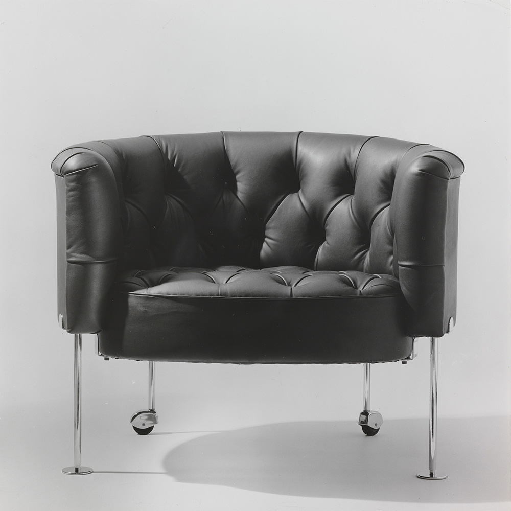 Haussmann Armchair